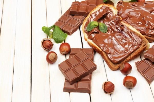 Chocolate, avellanas y crema de cacao
