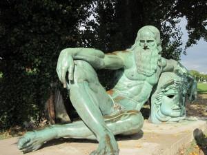 Estatua de Leonardo da Vinci en Amboise (Francia)