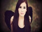 Chica con alas de ángel