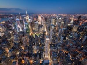 Luces en los edificios de una gran ciudad