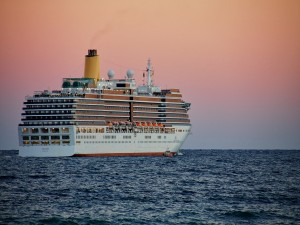 Un gran barco crucero