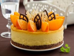 Una rica tarta de queso y naranja