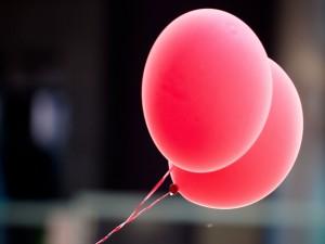Dos globos rojos