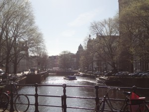 Sol brillando sobre Ámsterdam