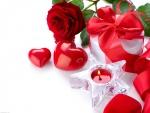 Vela, rosa y un regalo para mi amor