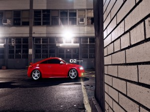 Audi TT de color rojo