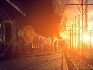 Sol iluminando la estación de tren