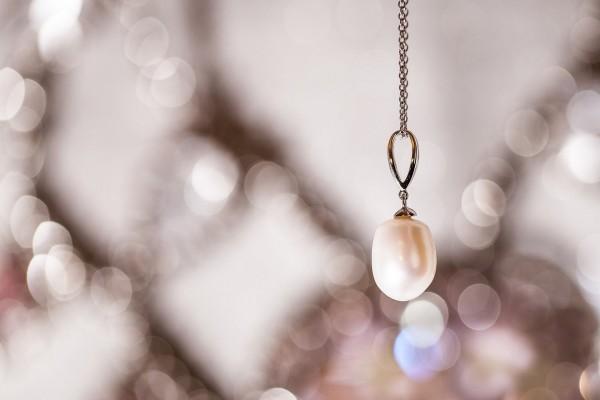 Bonita perla en un colgante