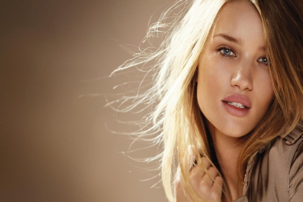 La modelo Rosie Huntington-Whiteley