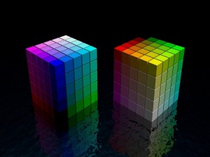 Dos cubos con los colores del arcoíris
