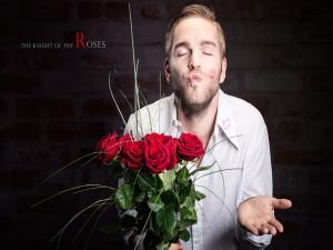 El caballero de las rosas te envía un beso