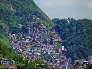 Casas en una montaña (Río de Janeiro)