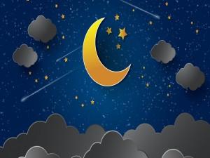 Luna dorada en un cielo nocturno