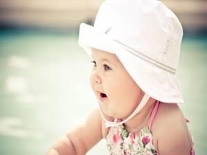 Linda bebé con sombrero