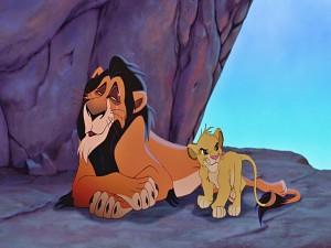 Simba junto a su tío Scar (El Rey León)
