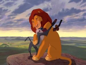 Rafiki abrazando a Simba (El Rey León)