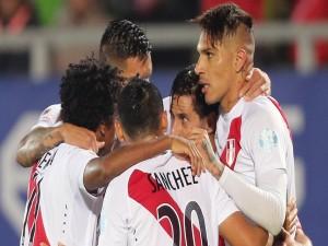 """Jugadores peruanos reunidos en el partido contra Venezuela """"Copa América 2015"""""""