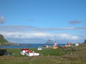 El pueblo Hvalba (Islas Feroe, Dinamarca)