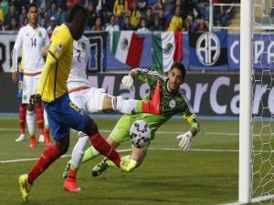 """México pierde ante Ecuador (1-2) en la """"Copa América Chile 2015"""""""