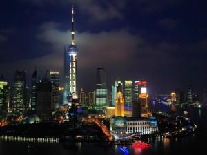 Luces en la noche de Shanghai