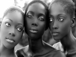 Tres hermosas mujeres