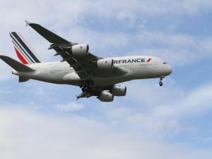 Avión de Air France a punto de aterrizar