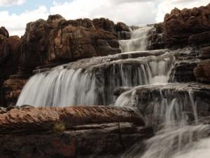 Cascadas en las rocas