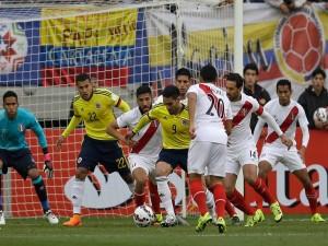"""Jugadores colombianos y peruanos en la portería de Pedro Gallese (Perú) """"Copa América 2015"""""""