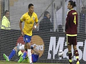 "Brasil gana a Venezuela (2-1) en la ""Copa América Chile 2015"""