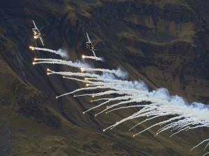 McDonnell Douglas CF-18 Hornet realizando pruebas