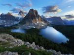Tres lagos en las montañas
