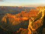 Sol iluminando el Gran Cañón