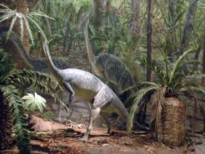Dinosaurios entre la vegetación