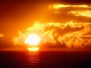 Gran sol junto al mar