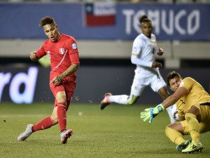 "Gol de Guerrero (Perú) en cuartos de final contra Bolivia ""Copa América 2015"""