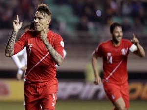"Paolo Guerrero (Perú) feliz tras meter un gol a Bolivia ""Copa América Chile 2015"""