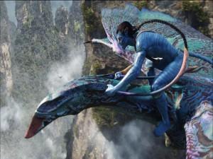 Jake volando sobre un Ikran (Avatar)