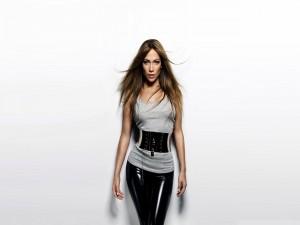 Jennifer Lopez con una original camiseta