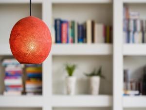 Lámpara en un salón