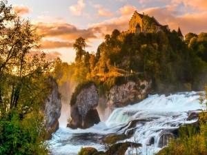 Magnífica casa junto a un río caudaloso