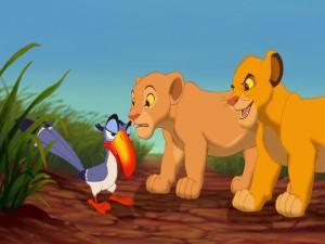 Simba y Nala observando a Zazú (El Rey León)