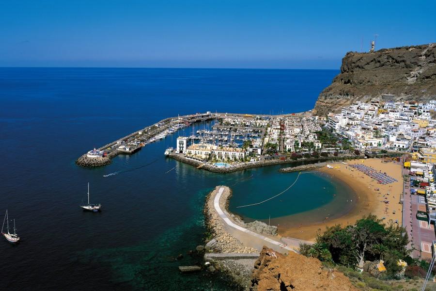 Playa de Puerto Rico y puerto de Mogán (Gran Canaria)