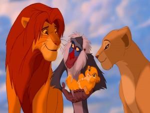 Cachorro de Simba y Nala en brazos de Rafiki (El Rey León)