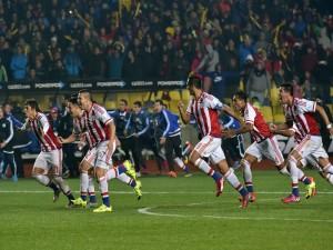 """Felicidad entre los jugadores paraguayos tras ganar en penales a Brasil """"Copa América 2015"""""""