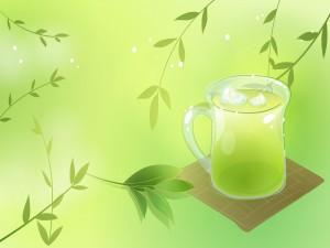 Taza de té verde helado