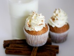 Cupcakes con nata y canela