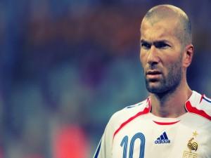 El futbolista Zinedine Zidane con la camiseta de Francia
