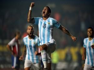 Marcos Rojo (Argentina) feliz tras marcar un gol a Paraguay en semifinales de la Copa América 2015