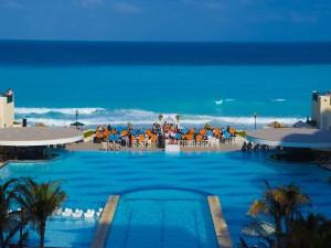 Boda en un bonito hotel junto al mar