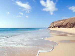Hermosa playa en Fuerteventura (Canarias, España)